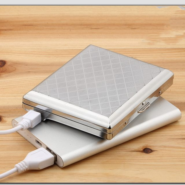Useful Metal Cigarette Case with Electronic USB Lighter Silver Metal Cigarette Box with Rechargeable Flameless Lighter