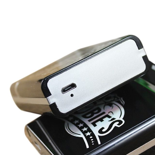 New Electronic usb cigarette case with usb lighter 8 cigarettes flameless windproof and rechargeable heating wire