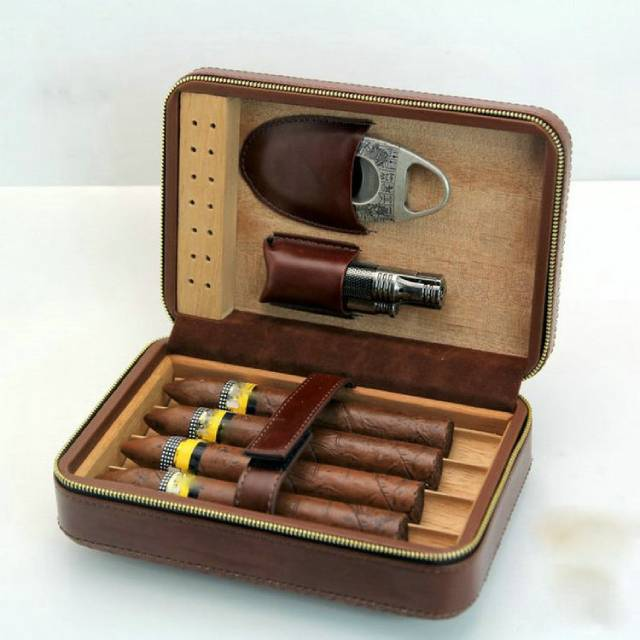 New LUBINSKI portable cigar box Leather Cigar Case Cedar Wood Cigar Travel Humidor with Lighter Cutter Humidifier